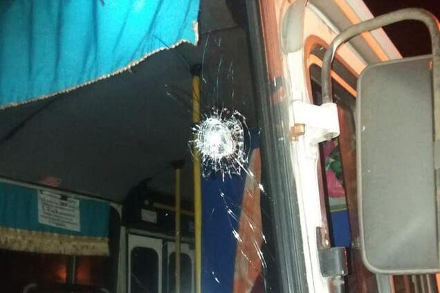 У Нікополі обстріляли автобуси