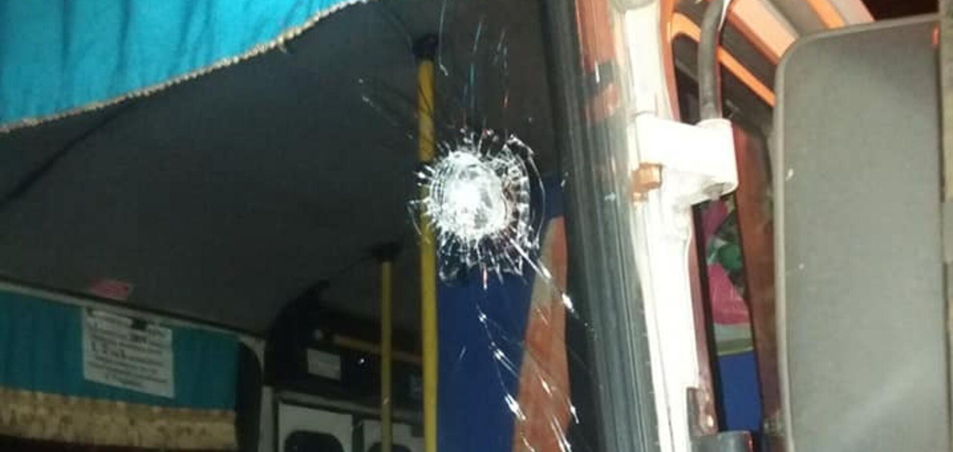 Під Дніпром автобуси з пасажирами зазнали масового обстрілу. Фото