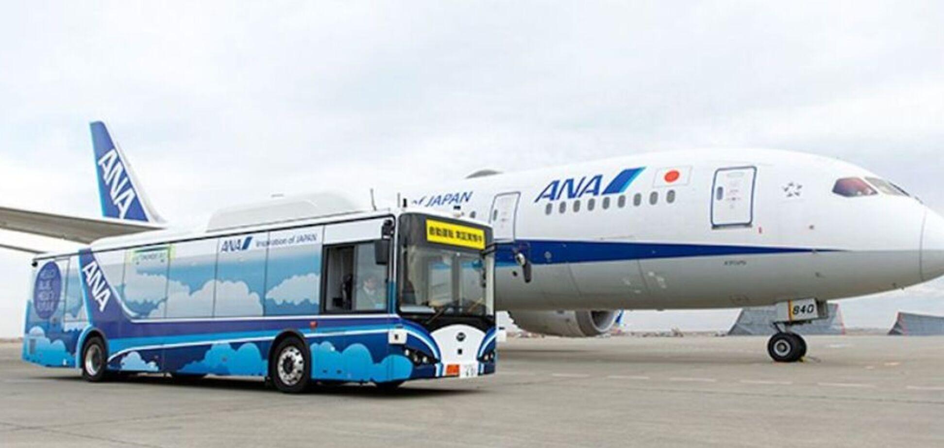 В Японии появились электрические беспилотные автобусы