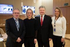 Призвал к солидарности: Порошенко встретился с депутатами Группы дружбы Украины в Брюсселе