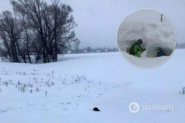 У Росії 13-річних школярів на смерть засипало снігом