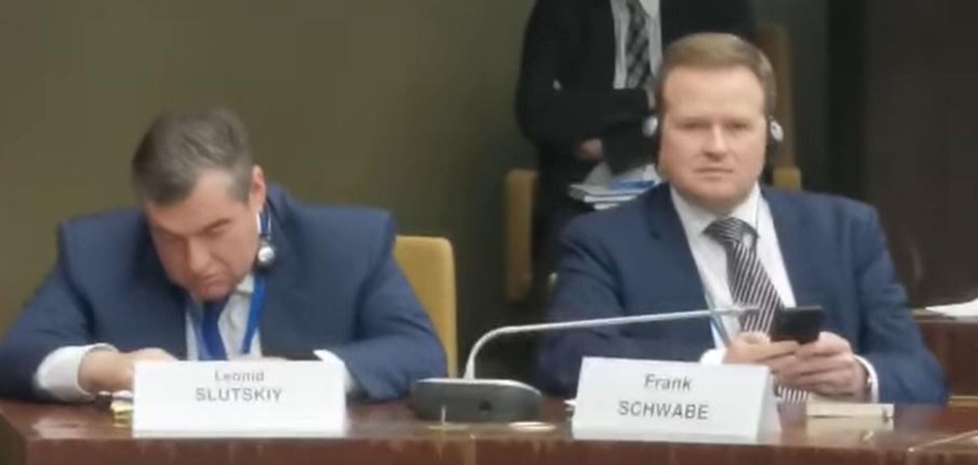 Російський депутат осоромився в ПАРЄ: курйозне відео інциденту