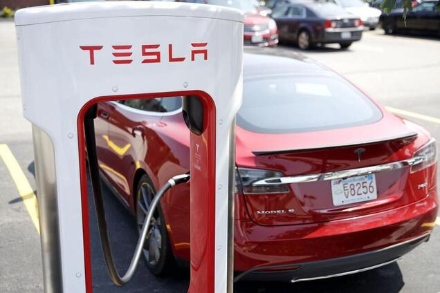 Зарядная станция Tesla Supercharger