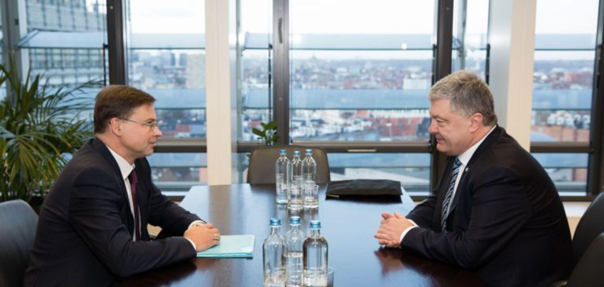 Говорили про інтеграцію з ЄС та санкції проти Росії: Порошенко зустрівся з віцепрезидентом Єврокомісії