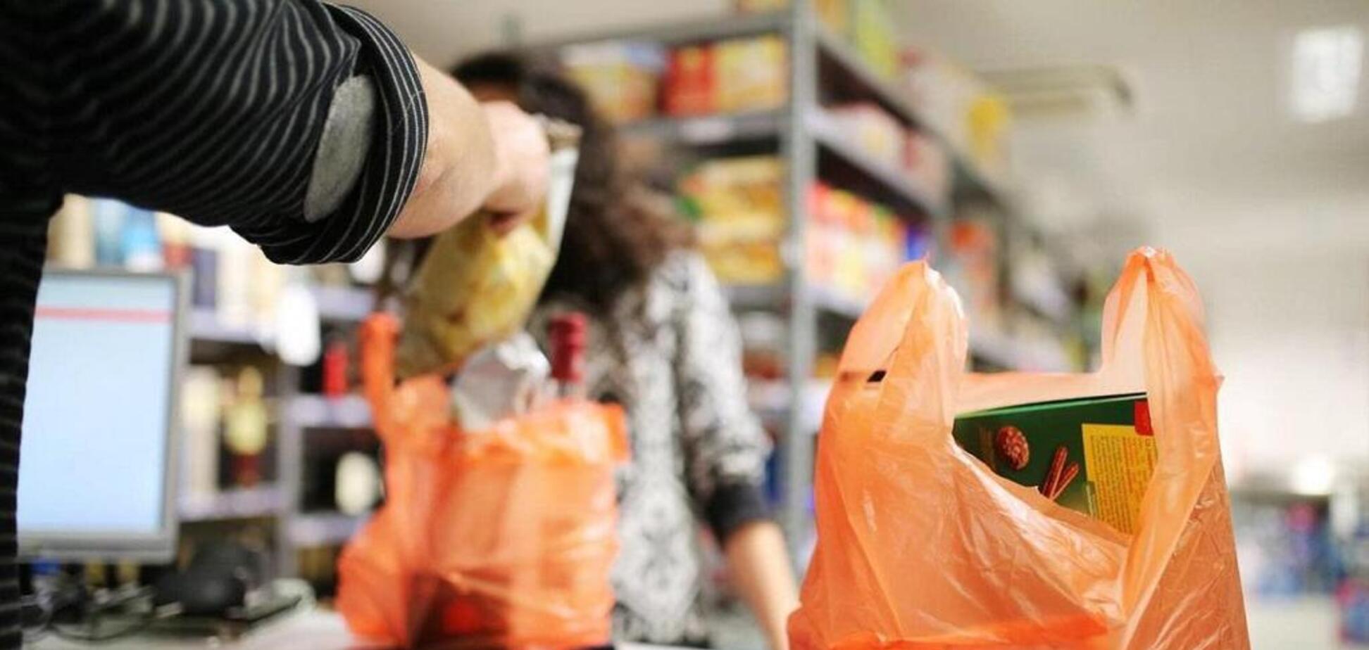 В Украине хотят запретить бесплатную раздачу пластиковых пакетов