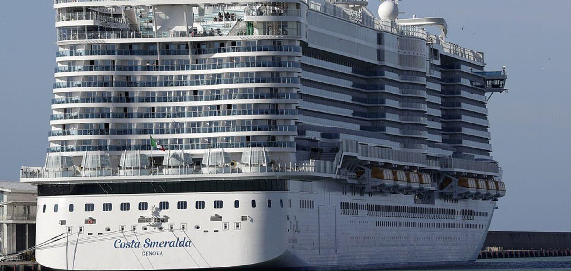 В Италии из-за коронавируса застрял лайнер с 7 тыс. пассажиров