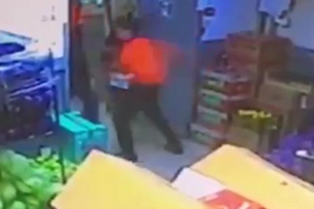Кассир убил клиента за кражу кофе в Москве