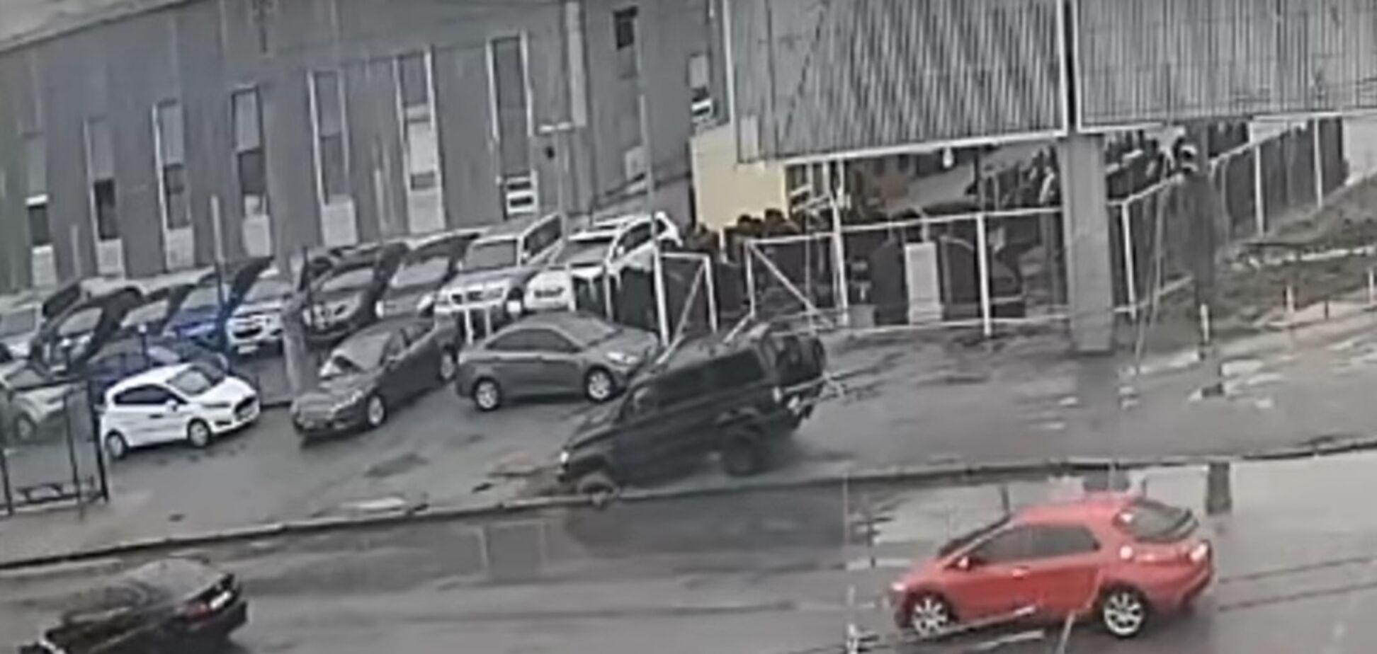 Появилось видео с автохамом из Одессы, попавшим в 'ловушку'