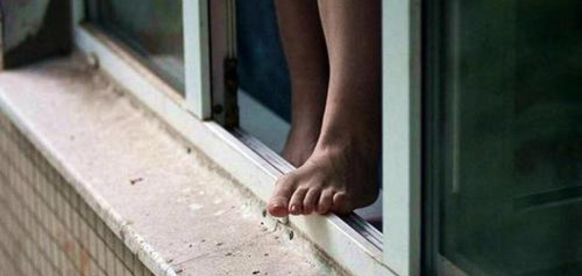 Под Одессой юноша выбросился из окна