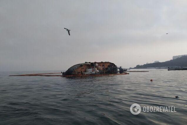 Доля затонулого танкера Delfi