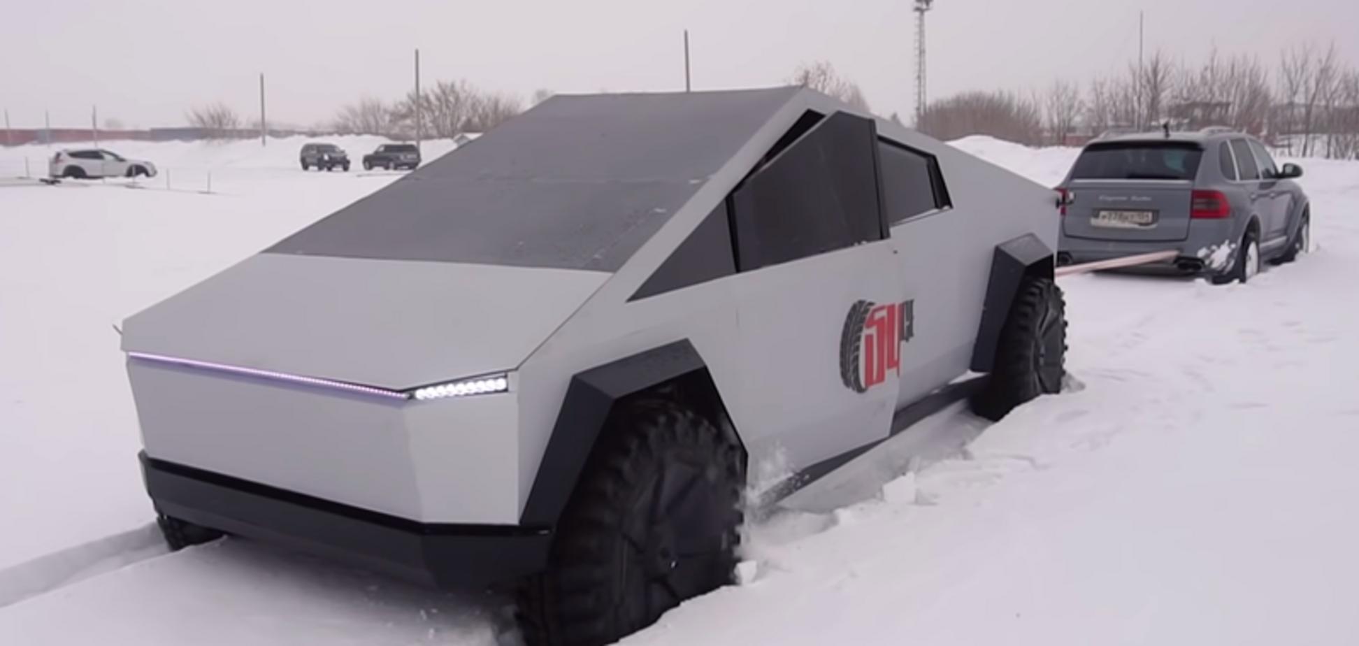 Российский клон Tesla Cubertruck сошёлся в битве с Porsche Cayenne