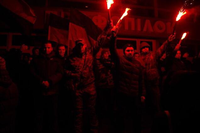 В Днепре националисты сорвали показ российского фильма. Фото с места