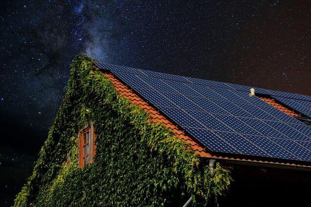 Солнечные панели в ночное время