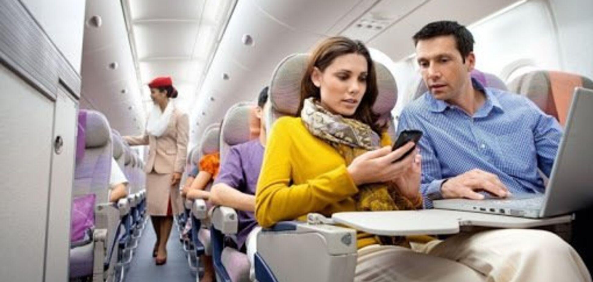 Это опасно: названы вещи, которые никогда не стоит делать в самолете