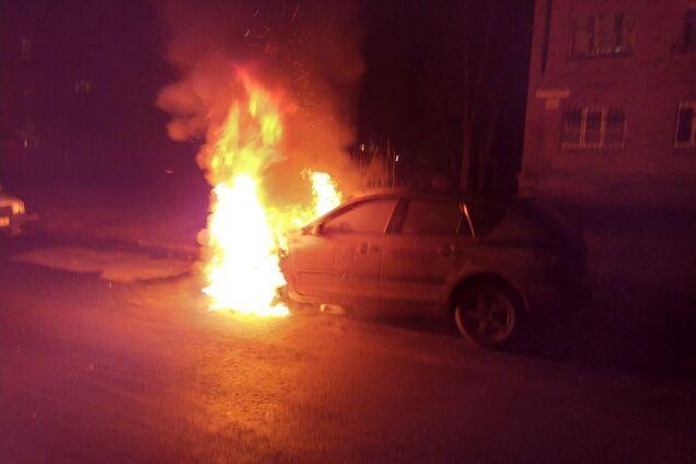 У Черкасах згоріла машина місцевого депутата