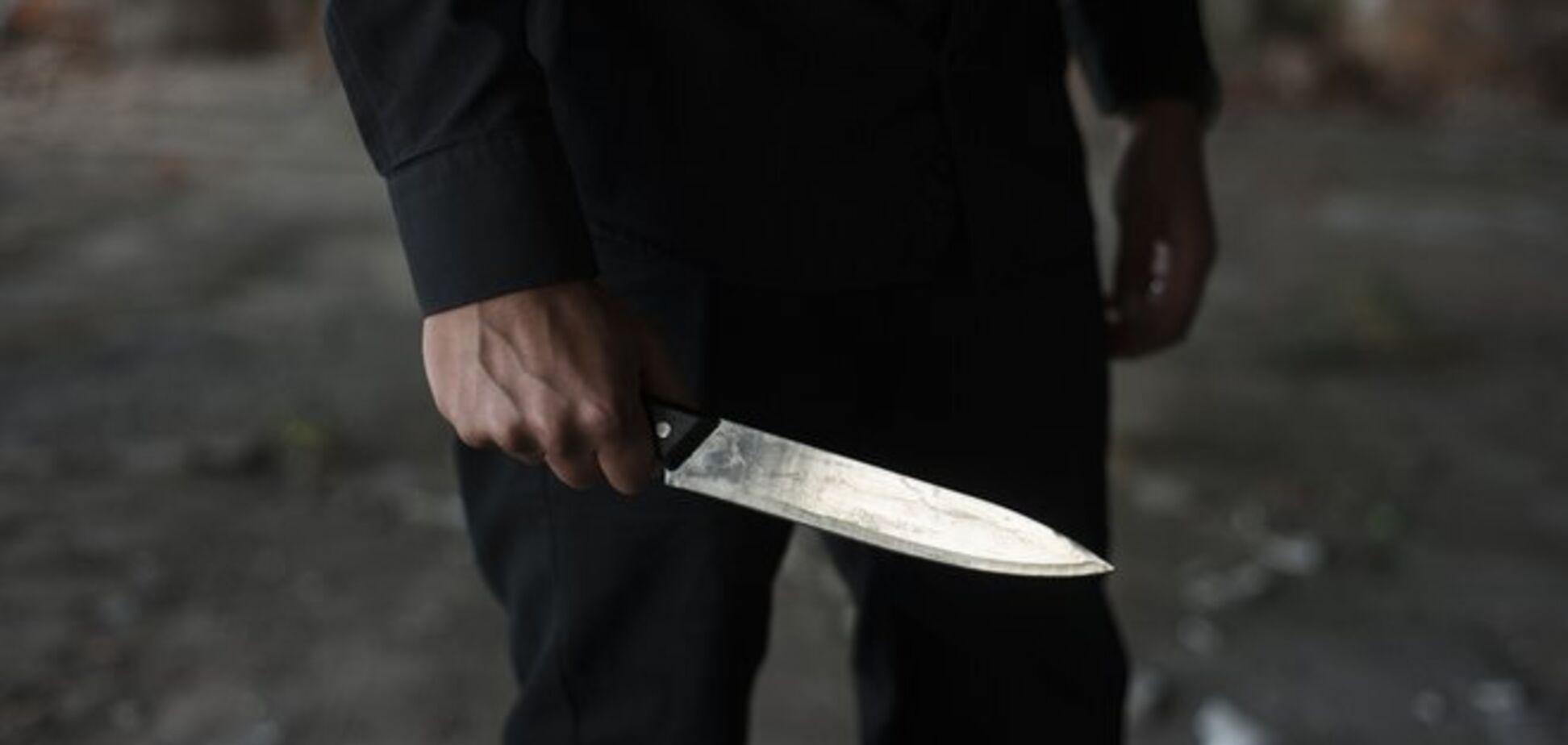 Угрожал ножом и ранил полицейского: в Кривом Роге мужчина устроил дебош в ночном клубе