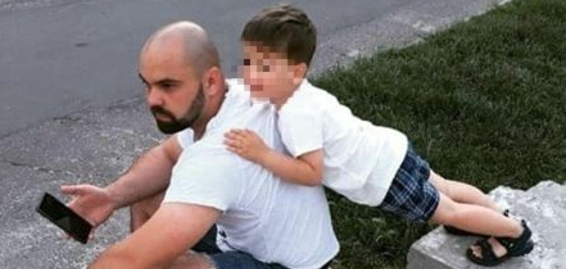 Убитий в Каховці та його син