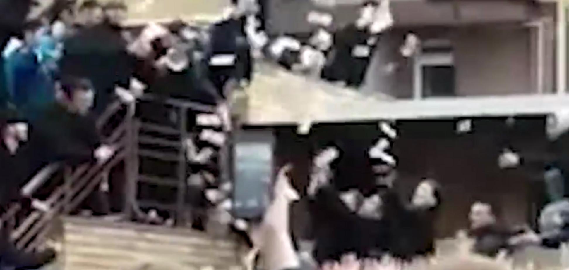 У Росії влаштували тисняву через 'гроші з неба': опубліковано відео