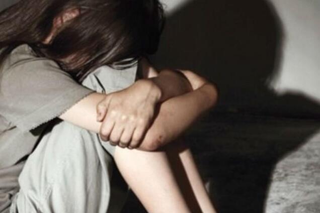 Під Одесою чоловік зґвалтував школярку