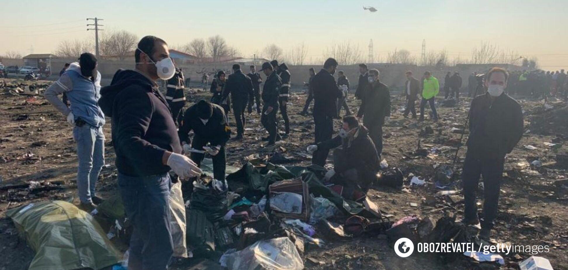 Катастрофа українського літака в Ірані: опубліковані моторошні відео з місця аварії