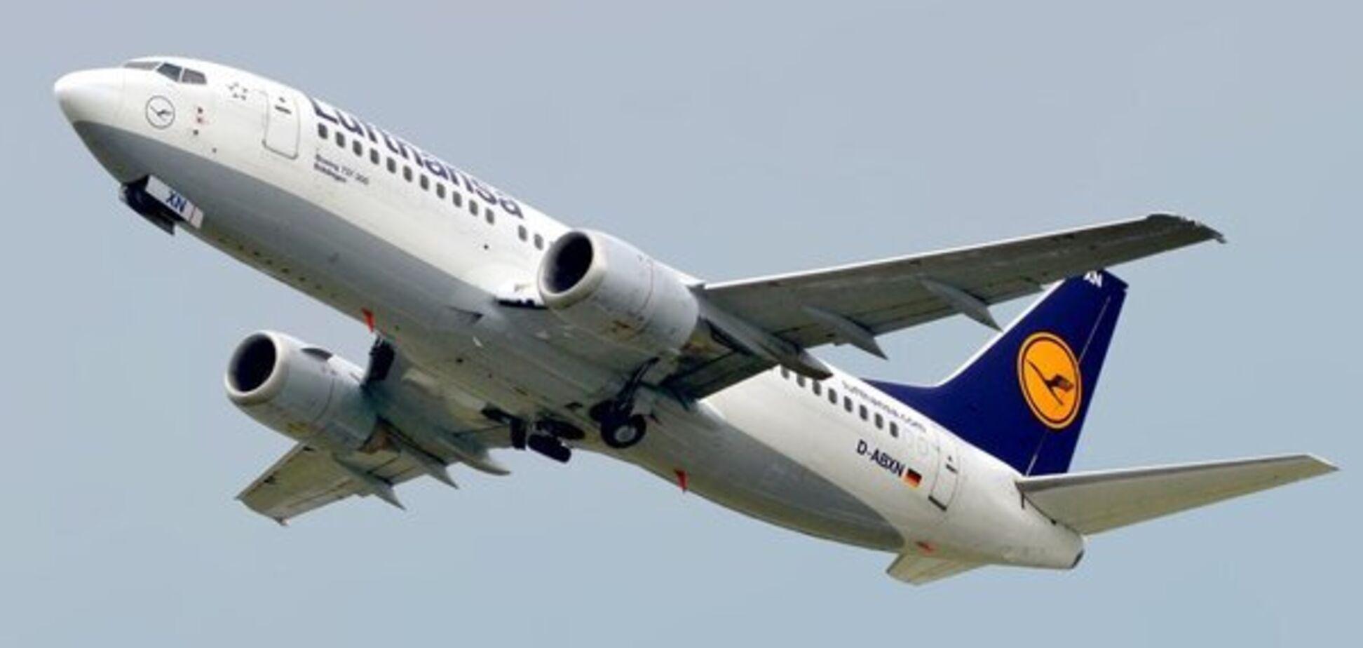 'Сердце разрывается. Молимся': звезды отреагировали на крушение украинского самолета в Иране