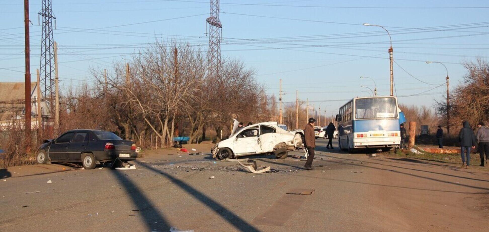 Смертельное ДТП в Никополе попало на видео: момент жуткой аварии