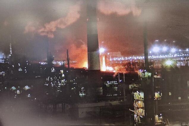 В Ухте вспыхнул пожар на нефтяном заводе