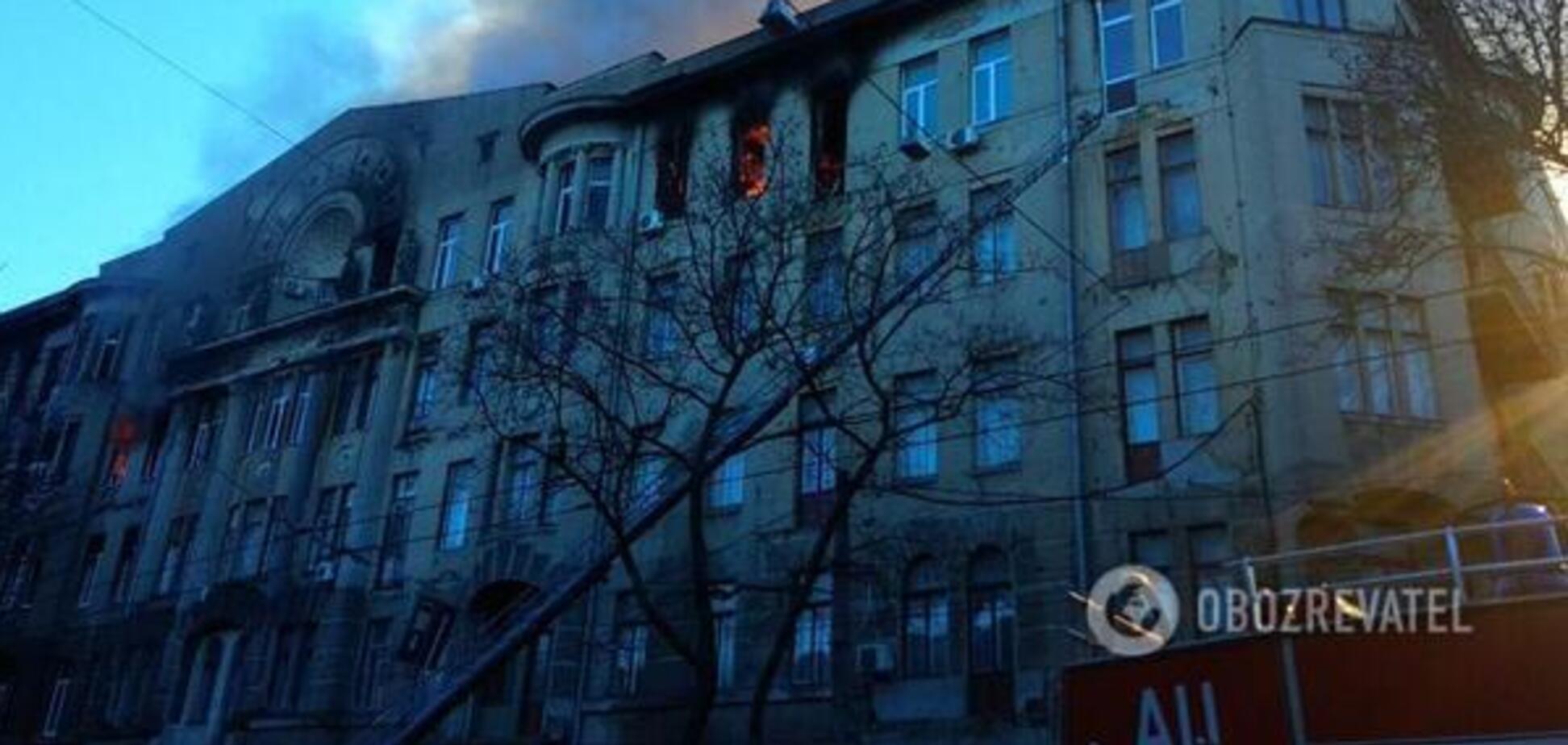 Суд в Одессе арестовал имущество сгоревшего колледжа