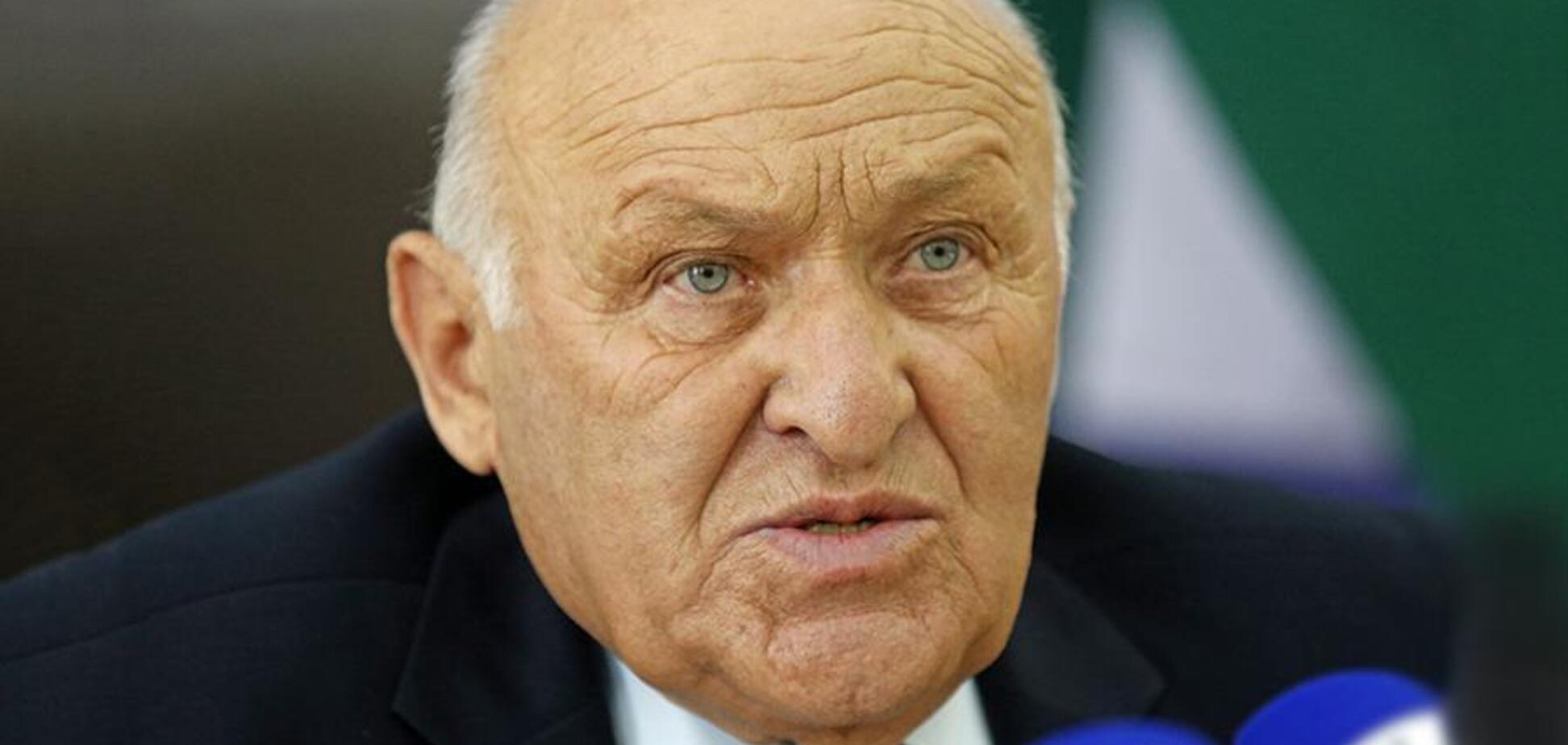 Протесты в Абхазии: 'спикер парламента' угодил в больницу с сердечным приступом