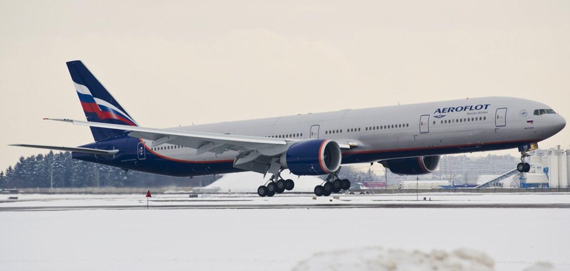 В 'Шереметьево' экстренно приземлился Boeing 777