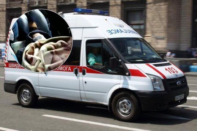 Під Житомиром зламана машина швидкої допомоги не довезла пацієнта до лікарні