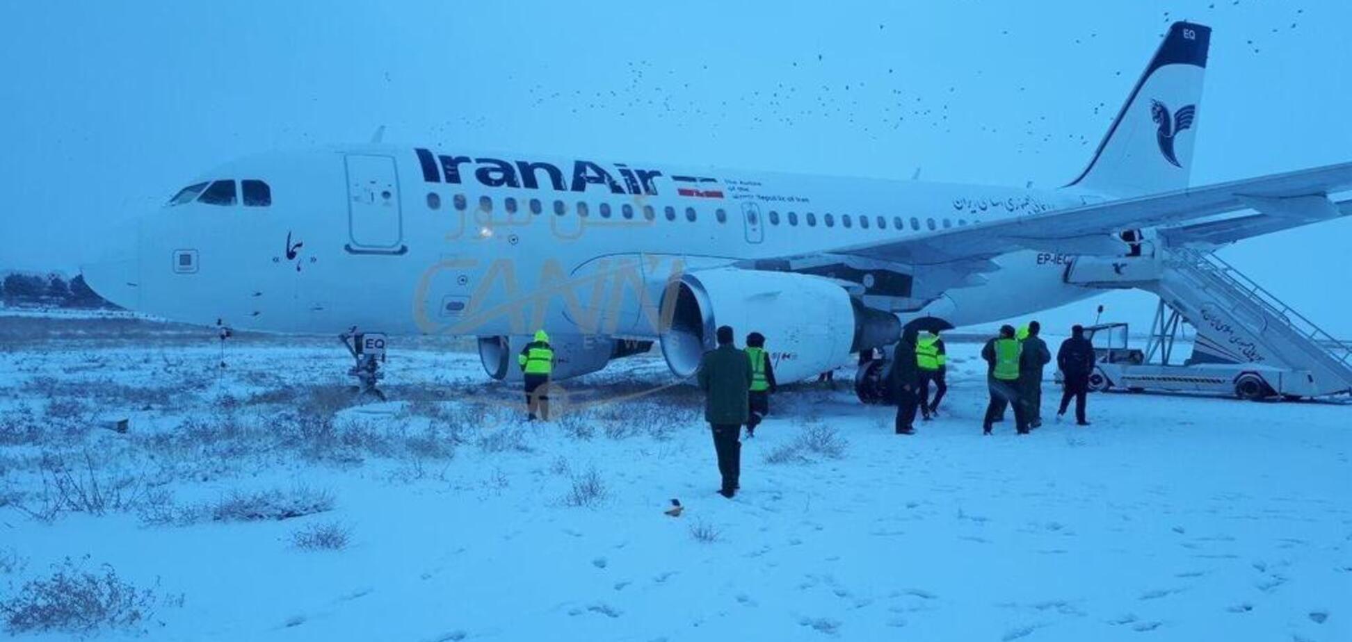 В Ірані трапилася нова НП з пасажирським літаком: опубліковано відео