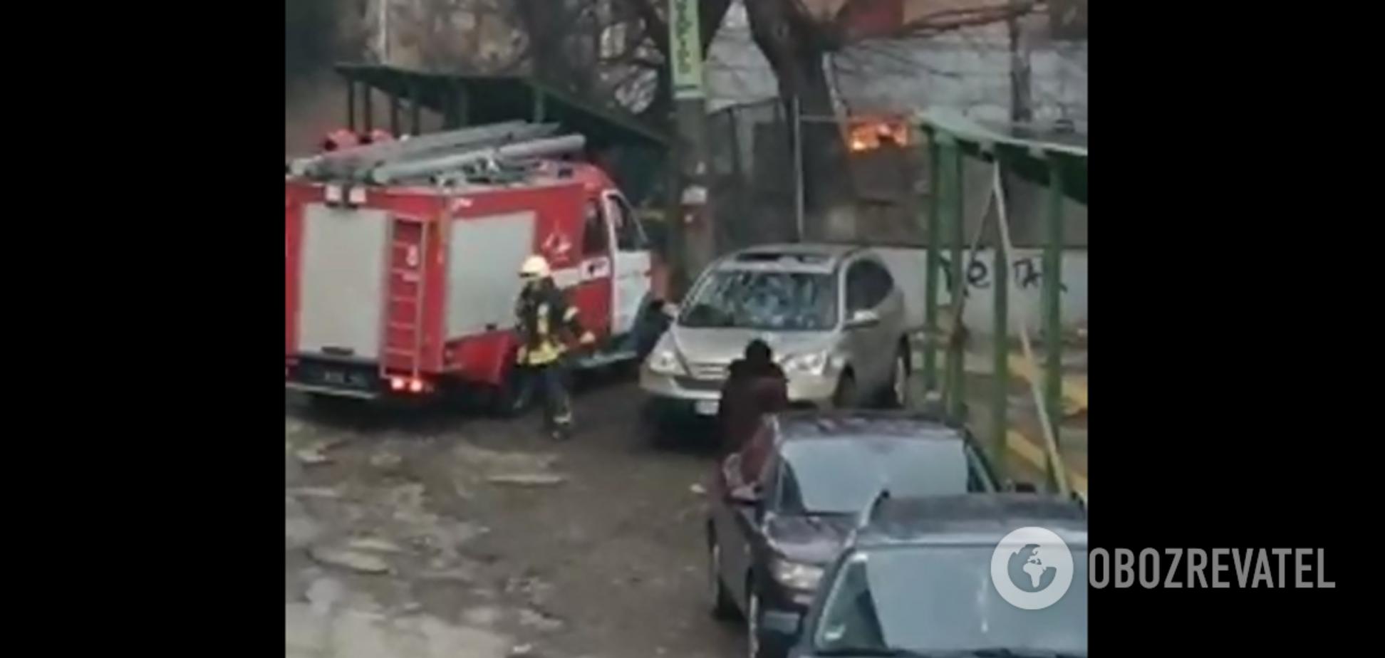 У колись будинку, який вибухнув на Голосіївському проспекті в Києві сталася пожежа