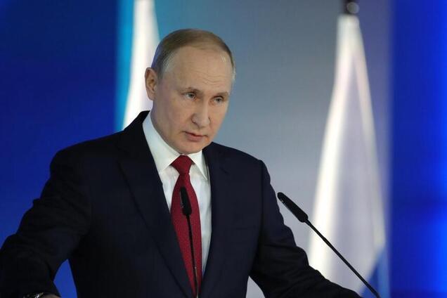 Путін знову заговорив про захист російської мови за кордоном