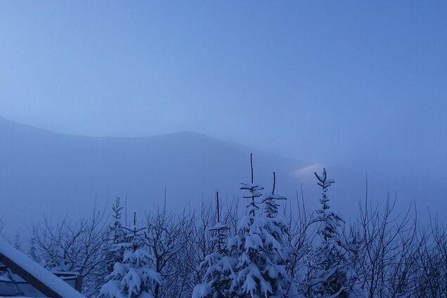 В Карпатах выпало больше метра снега. Фото