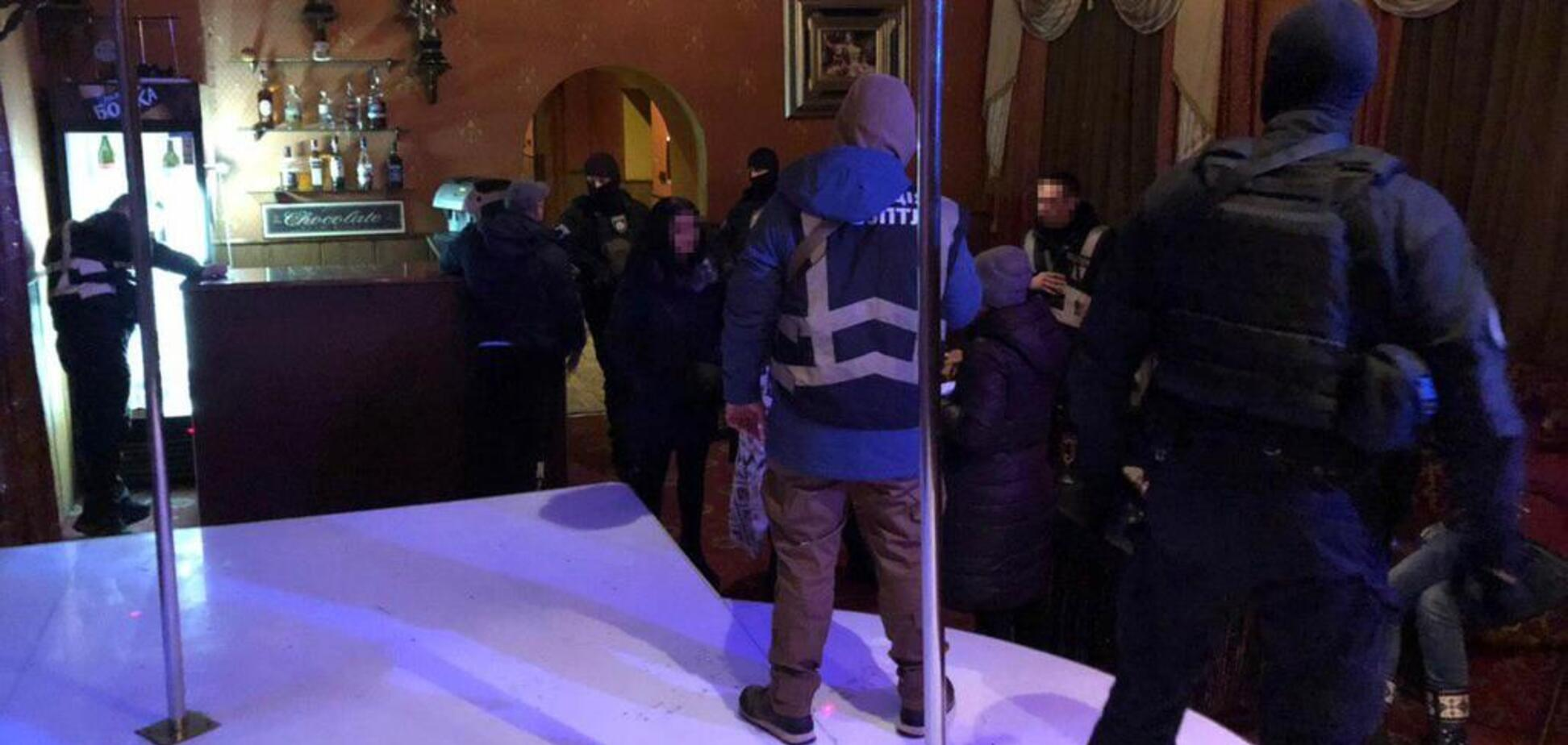 Интим за 600 грн: В Кривом Роге разоблачили бордели в стрип-клубах