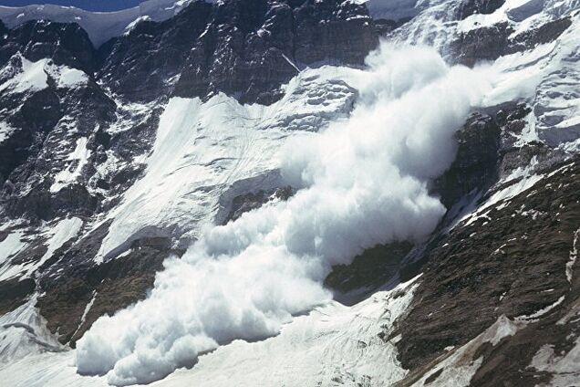 Попал под лавину: в горах Грузии пропал украинский турист