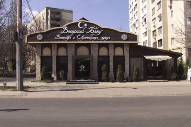 В Одесі на даху ресторану виявили тіло голої жінки
