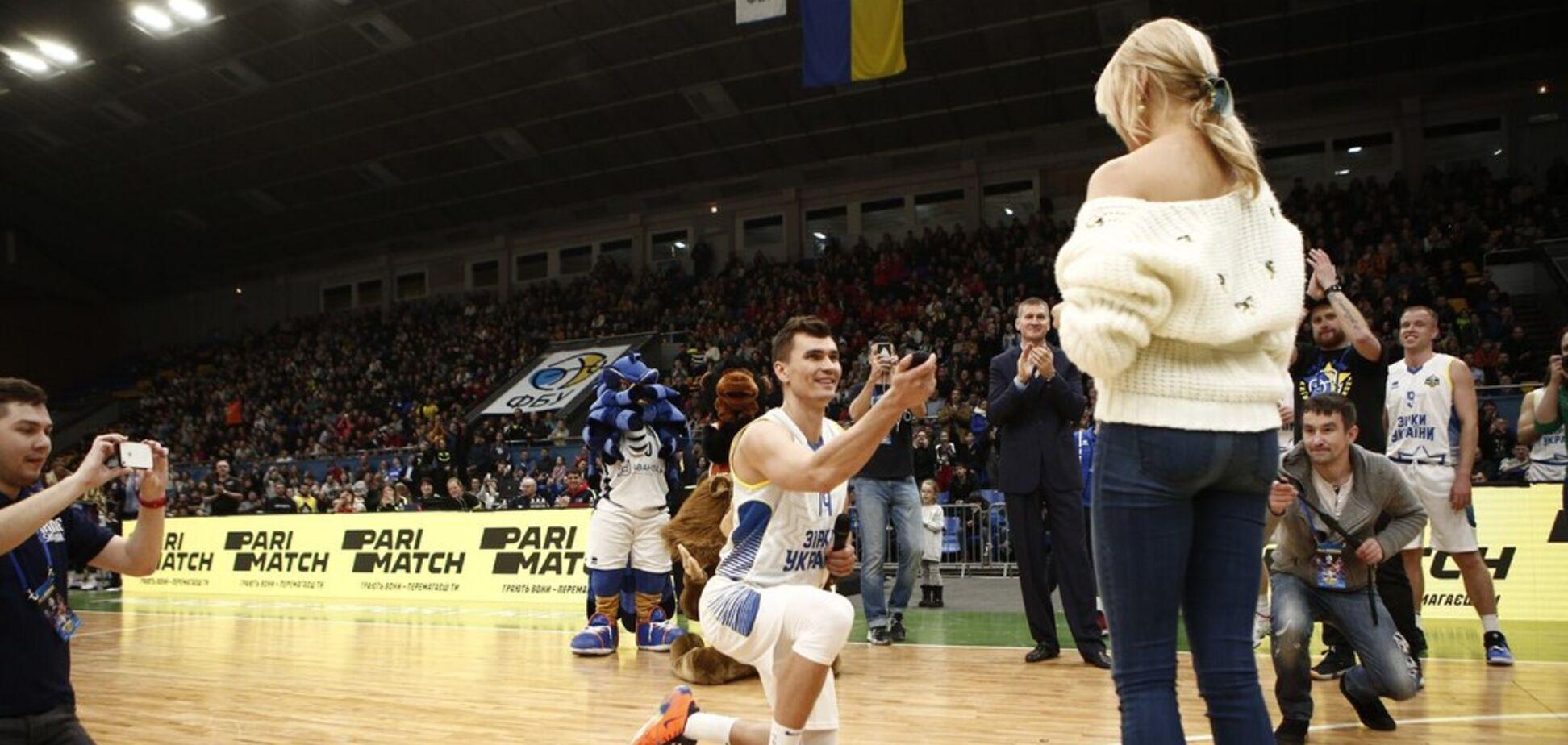 Баскетболіст збірної України здійснив романтичний вчинок на Матчі зірок