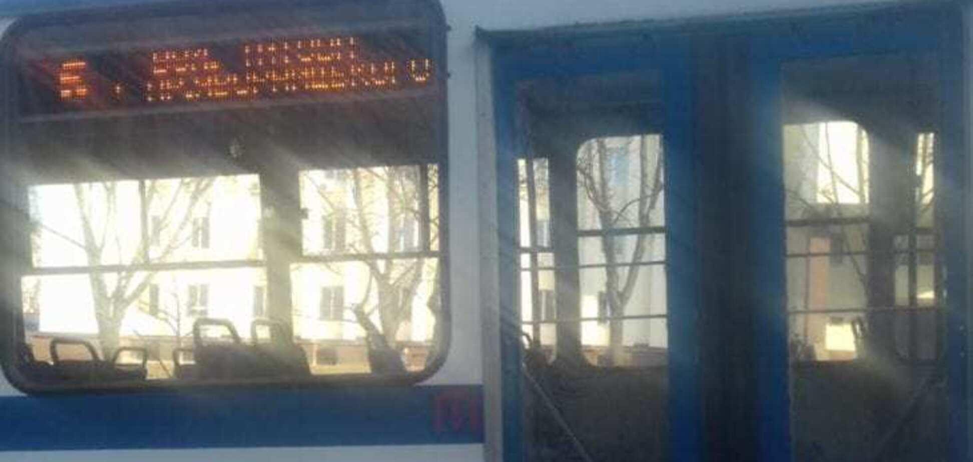 Увірвався в кабіну і вдарив в голову: в Дніпрі пасажир напав на водія тролейбуса. Фото