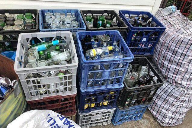 Збирали пляшки: пара з Автралії заробила тисячі доларів на весілля