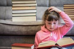 Вслед за Новосад: в Украине родители раскритиковали литературу страданий для школьников