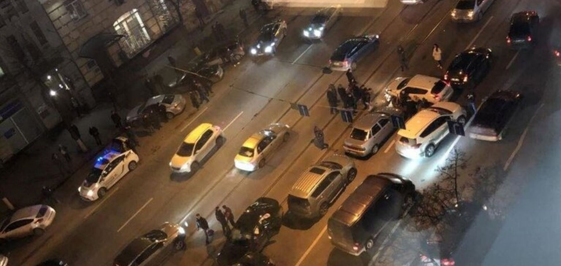 У Харкові зіткнулися вісім авто: деталі ДТП