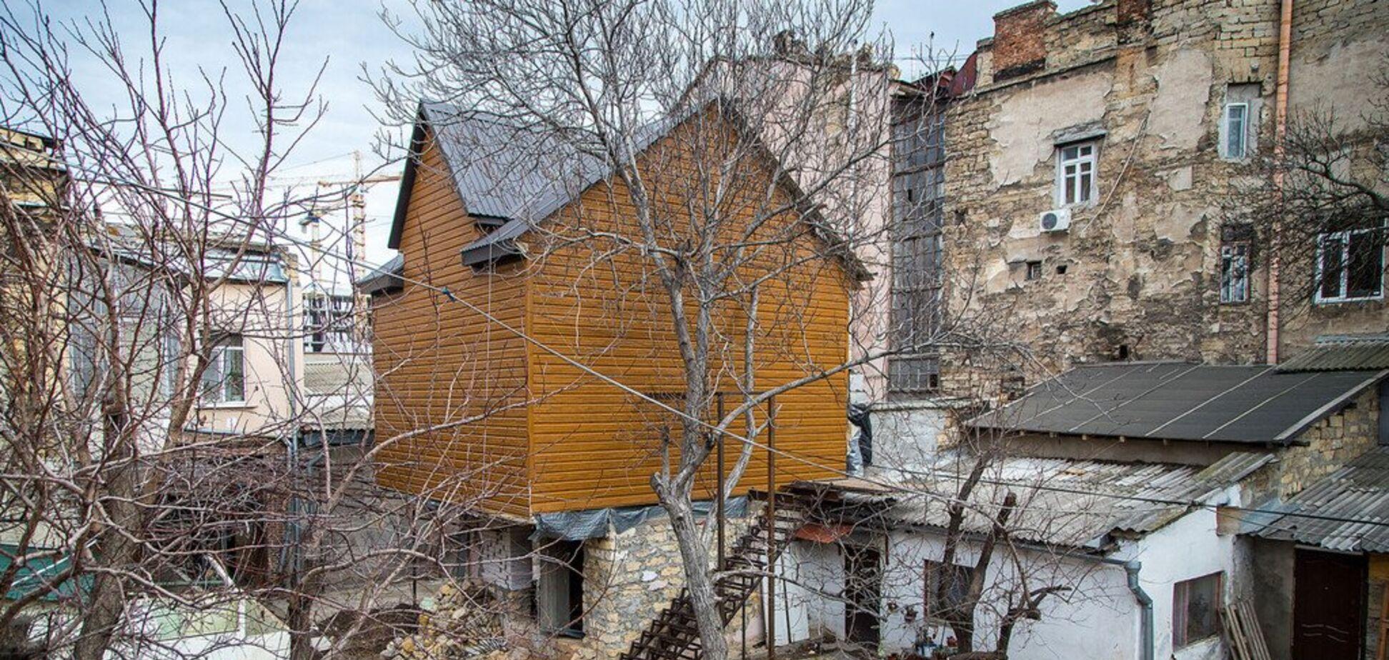 В Одесі оштрафували господарку 'хатинки на курячих ніжках'