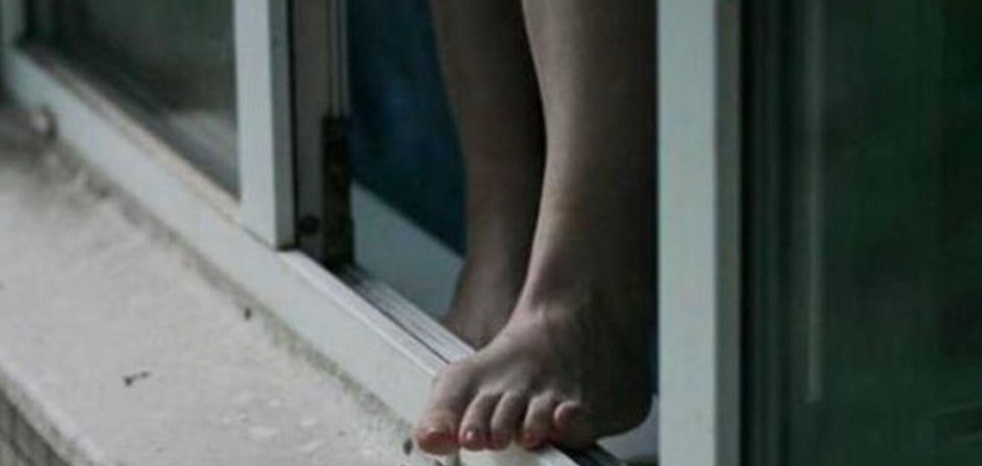 В Черкассах коп спас 20-летнюю девушку от самоубийства. Фото, видео