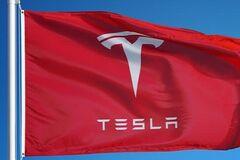 Ілон Маск став ще заможнішим: акції Tesla за добу показали стрімке зростання