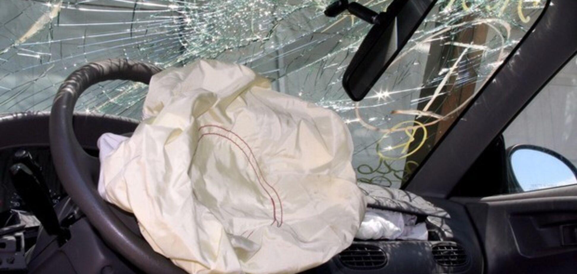 В Днепре во дворе жилого дома гранатой взорвали авто: все подробности ЧП
