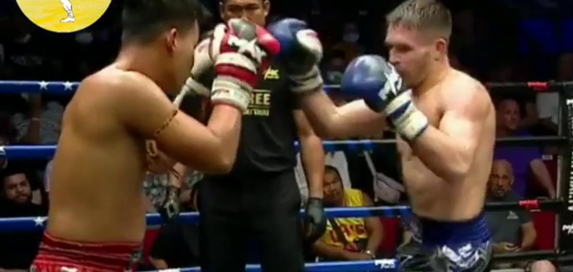 Український боксер здобув перемогу, влаштувавши суперникові 'криваву баню' - відеофакт