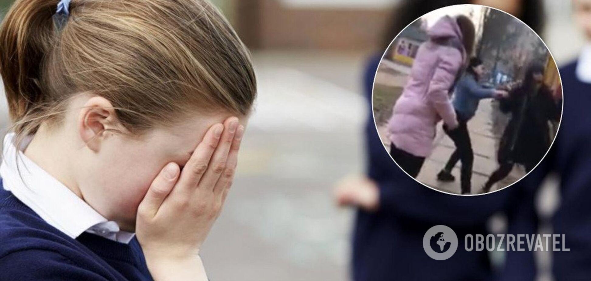 'Чтоб знала, как рот открывать!' В Киеве подростки зверски избили школьницу. Видео 18+
