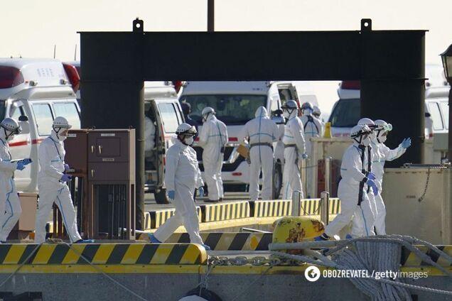 На борту заблокованого в Японії лайнера – 20 українців